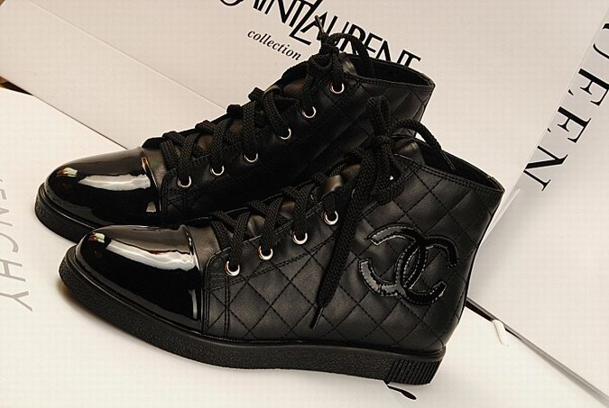 chaussures chanel homme. Black Bedroom Furniture Sets. Home Design Ideas