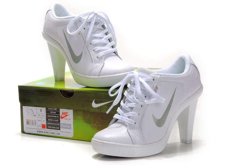 outlet store best selling sold worldwide chaussure nike a talon pour femme